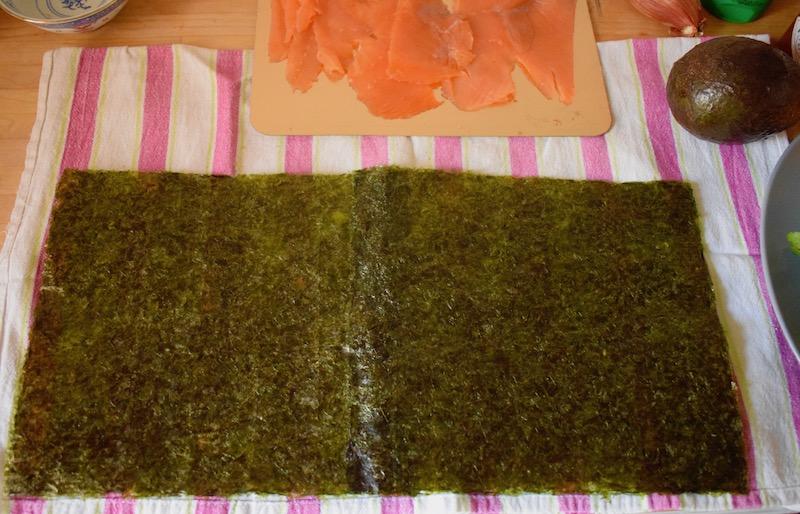 feuilles de nori collées l'une à l'autre, maki burrito