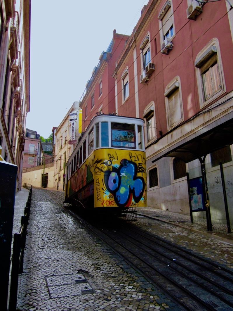 Tram quartier Bairro Alto, Lisbonne
