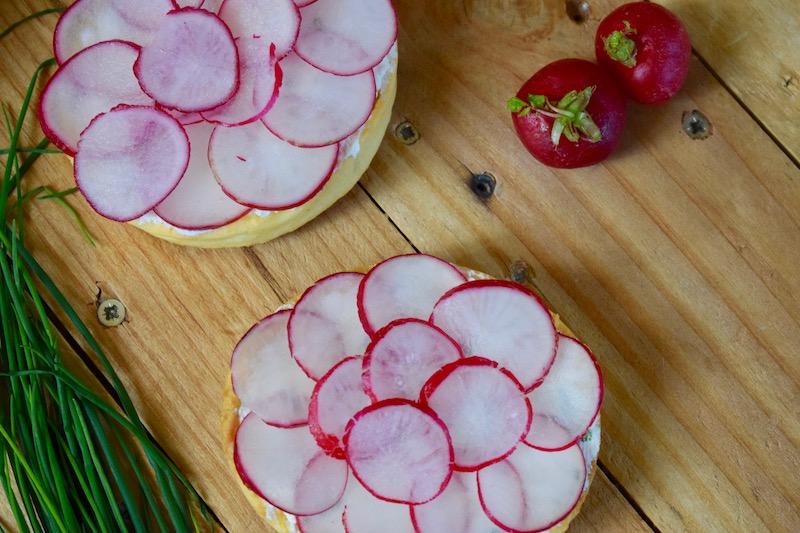 tartelette aux radis rose et au fromage frais (Saint-Valentin)