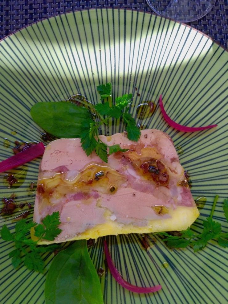 Restaurant Casse-Cailloux : Le Marbré foie gras, pieds de cochon et cocos Pampol