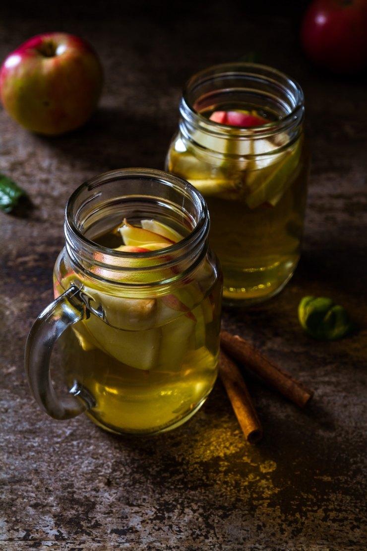 Cidre chaud aux épices et au rhum ambré